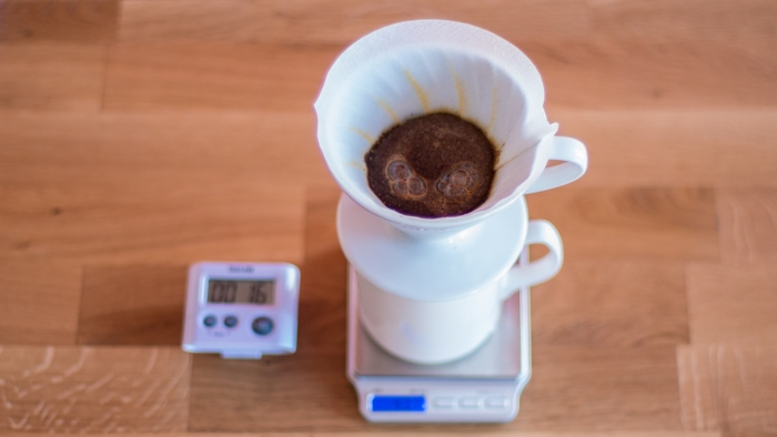 Kims Coffee - V60 Step 6